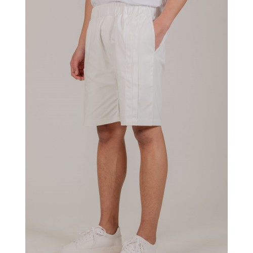 NÉ EN AOÛT Shorts with double seam pin tucks in white
